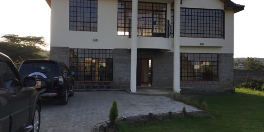 4 bedroom Town House for sale at Kerarapon