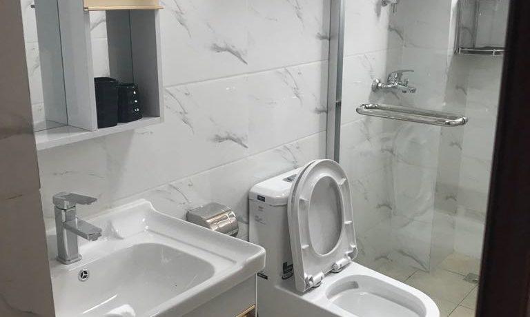 kingstone bathroom (2)