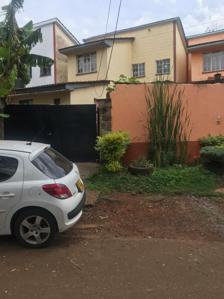 3 Bedroom Maisonette with an SQ For Sale In Lang'ata