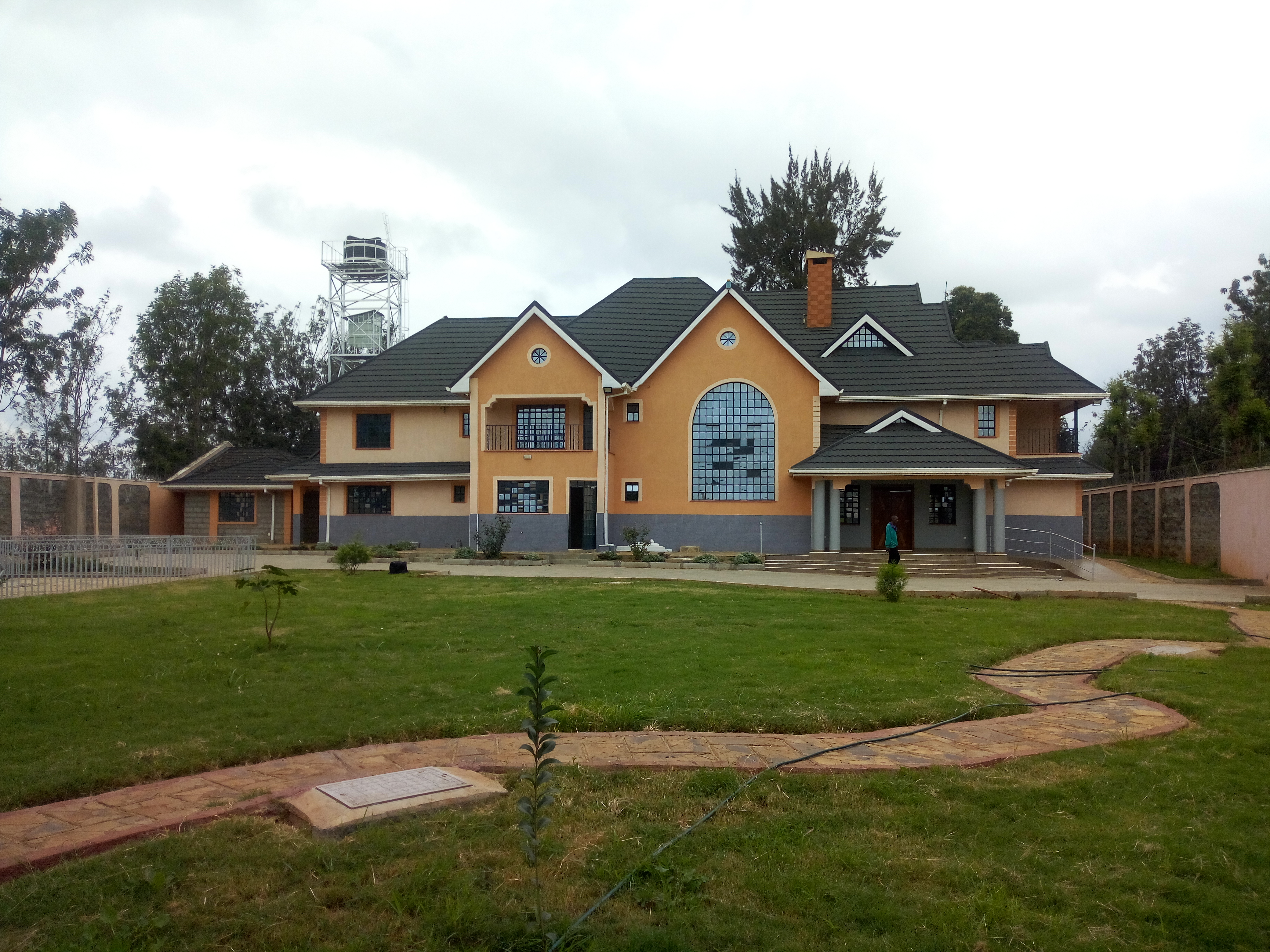 An 8 Bedroom Ambassadorial House with a 2 Bedroom DSQ TO LET in Karen