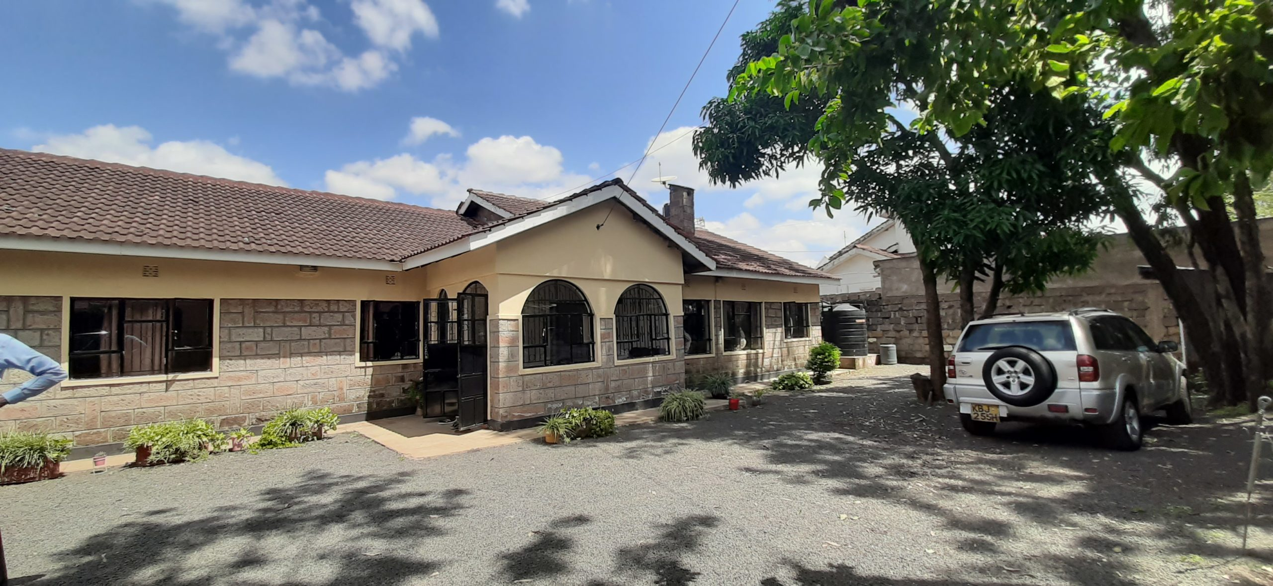 4 BEDROOM MODERN HOUSE FOR SALE IN KAHAWA ESTATE
